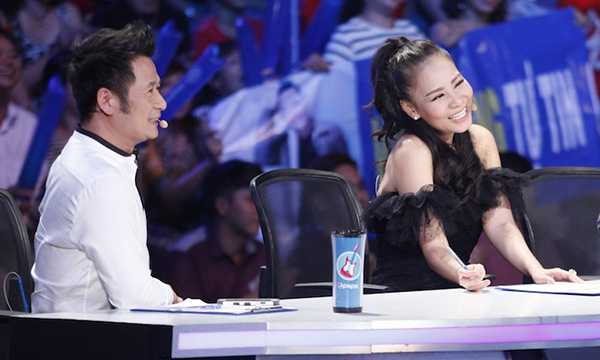 Truc tiep Vietnam Idol: Thu Minh doa se 'chem dep' Viet Thang neu quen loi bai hat hinh anh 9