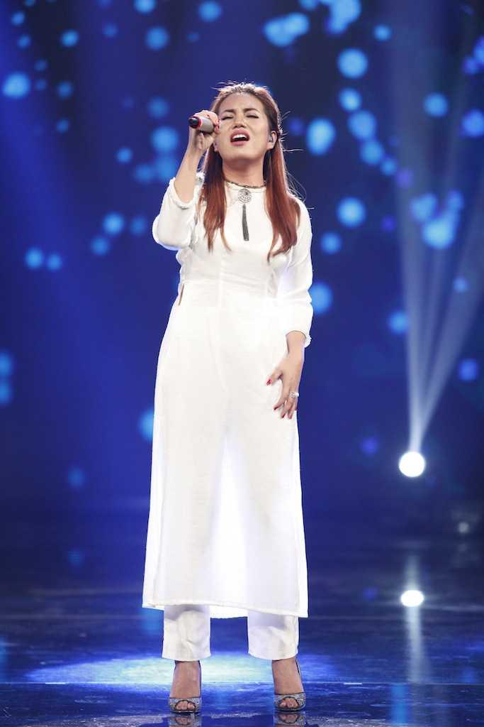 Truc tiep Vietnam Idol: Thu Minh doa se 'chem dep' Viet Thang neu quen loi bai hat hinh anh 8