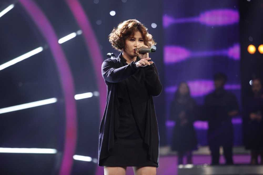 Truc tiep Vietnam Idol: Thu Minh doa se 'chem dep' Viet Thang neu quen loi bai hat hinh anh 2