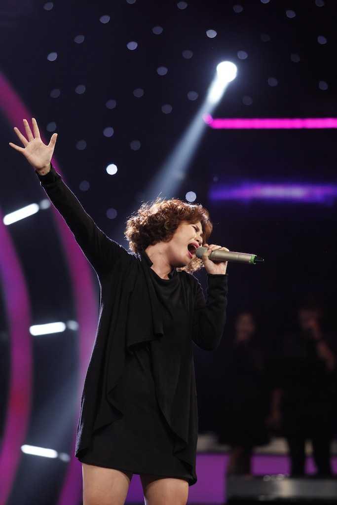 Truc tiep Vietnam Idol: Thu Minh doa se 'chem dep' Viet Thang neu quen loi bai hat hinh anh 3