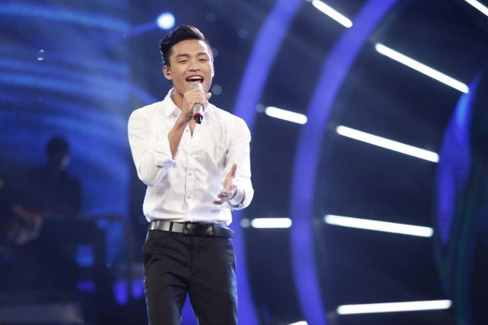 Truc tiep Vietnam Idol: Thu Minh doa se 'chem dep' Viet Thang neu quen loi bai hat hinh anh 11