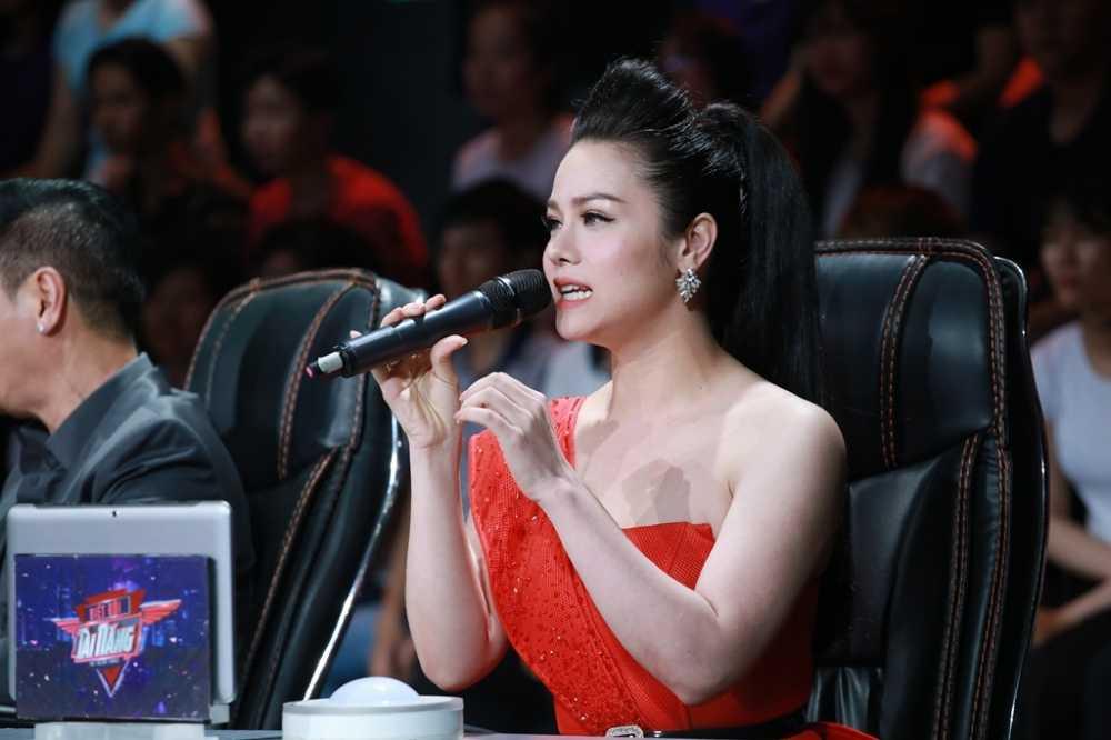 Phuong Thanh binh tinh khi bi Trang Nhung 'nha tram ti' 'bat lai' tren ghe nong hinh anh 4