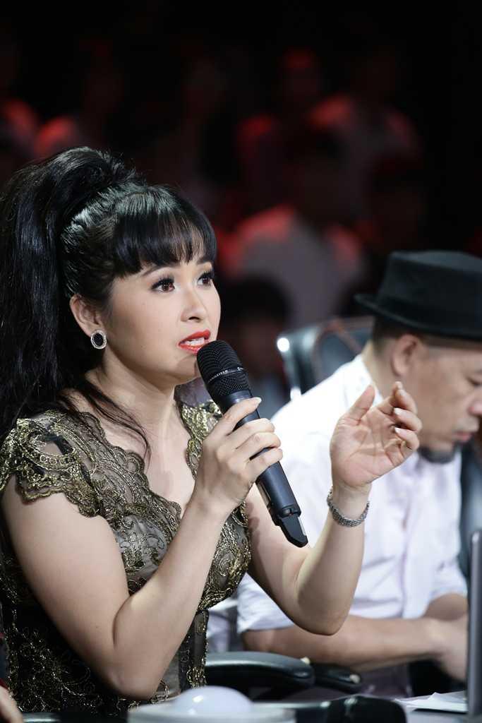 Phuong Thanh binh tinh khi bi Trang Nhung 'nha tram ti' 'bat lai' tren ghe nong hinh anh 6