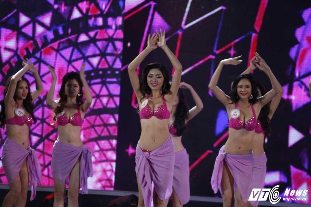 'Bong mat' voi duong cong cua nguoi dep Hoa hau Viet Nam trong phan thi bikini hinh anh 19