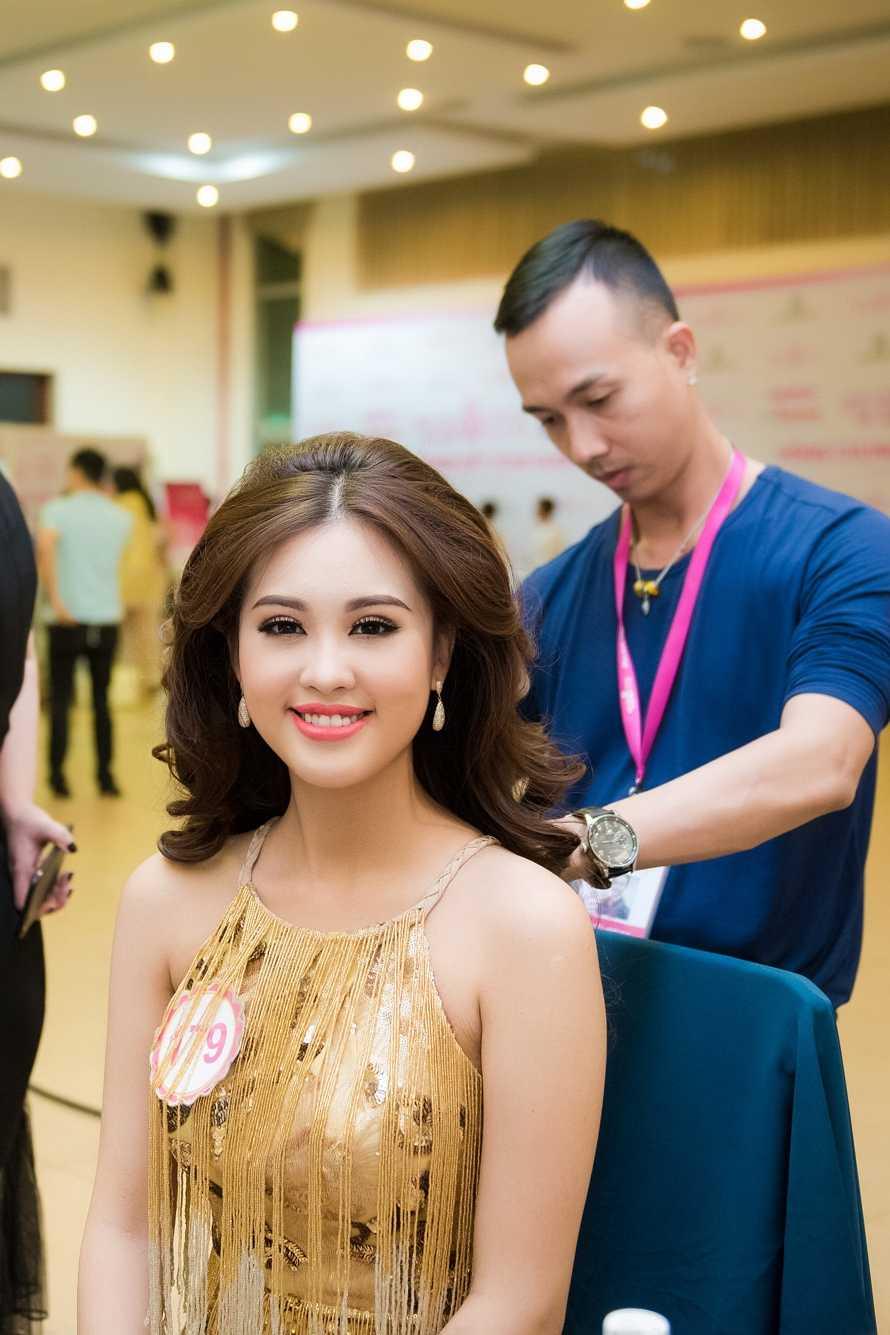 Thi sinh Hoa hau Viet Nam da san sang cho dem chung ket hinh anh 7
