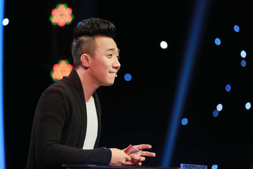 Tran Thanh 'can loi' vi bi 3 nang Hoa hau chat chem hinh anh 3