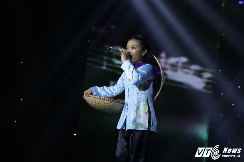 Noo Phuoc Thinh tinh nguyen lam vu cong cho 'co be ban banh bo' hinh anh 23