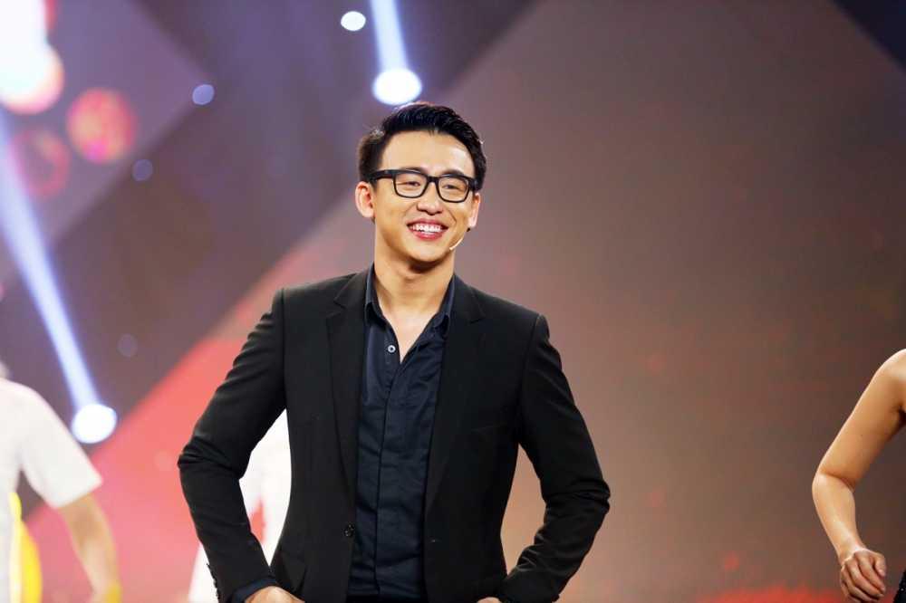 'En vang 2016' Quang Bao: 'Toi khong lay chuyen doi minh ra de cau view' hinh anh 5