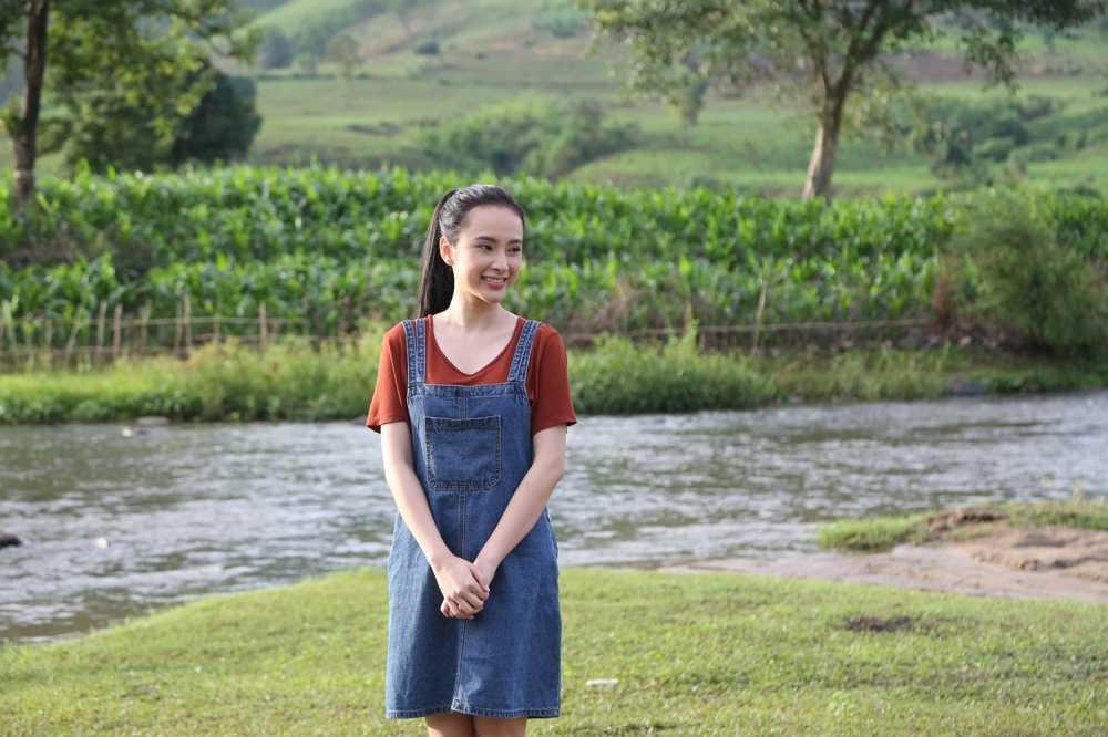 Angela Phuong Trinh hanh phuc nam tay 'nguoi tinh' Vo Canh hinh anh 2