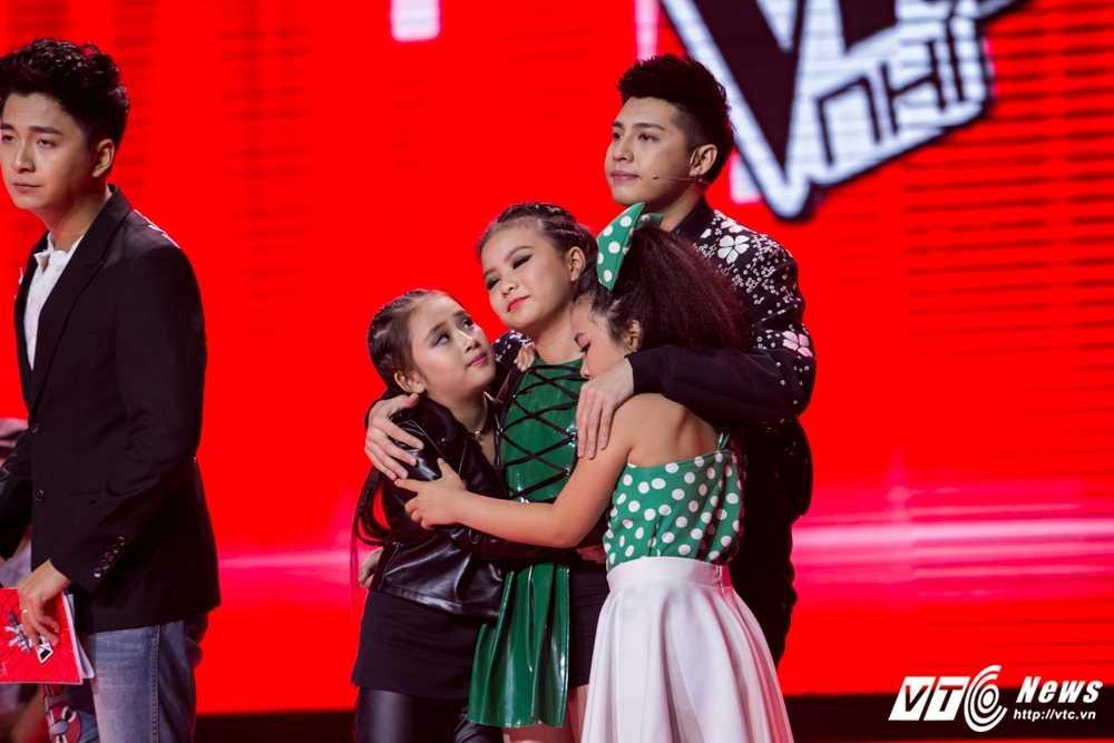 Giong hat Viet nhi: Team Noo Phuoc Thinh gay sot voi 'Thu Minh phien ban nhi' hinh anh 23
