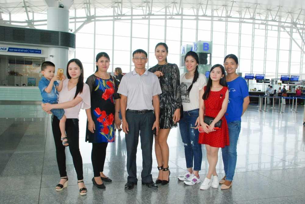 Nguyen Thi Loan rang ro len duong tham du Hoa hau Hoa binh Quoc te 2016 hinh anh 2