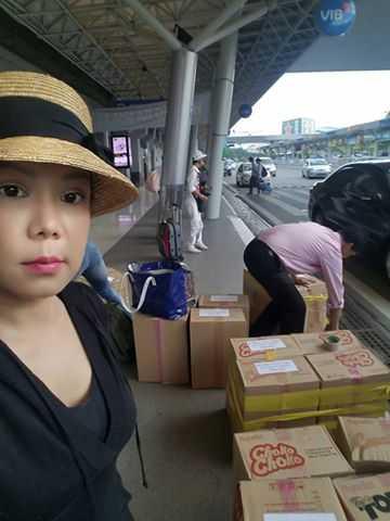 Tam quen liveshow, Viet Huong tat bat loi nuoc ve Quang Binh hinh anh 1