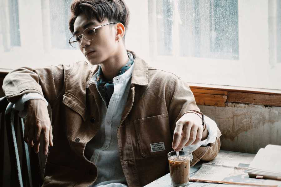 Hat ballad ngot ngao, Soobin Hoang Son khien fans 'ban loan' hinh anh 1