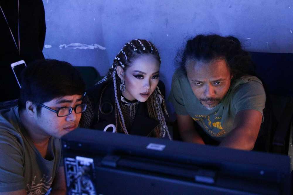 Minh Hang lam viec lien tuc 25 tieng va gap su co khi quay MV hinh anh 5