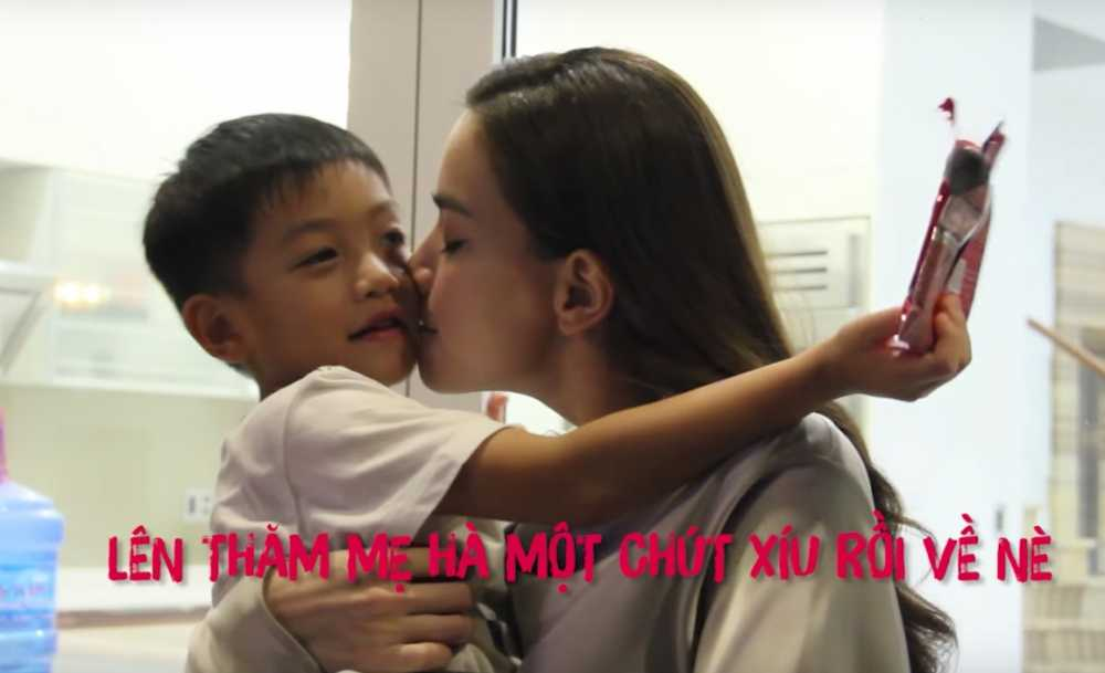 Clip: Con trai bi mat gay bat ngo, Ho Ngoc Ha xuc dong hon Subeo hinh anh 5