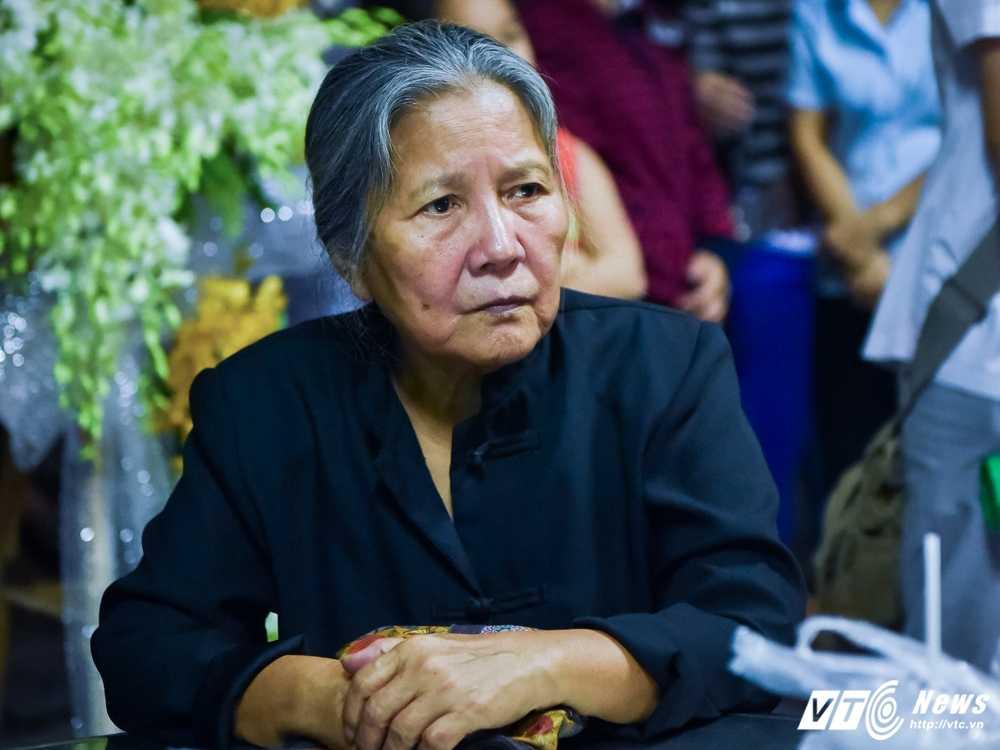 Phi Nhung – Phuong Thanh roi nuoc mat vieng nghe si Ut Bach Lan hinh anh 3