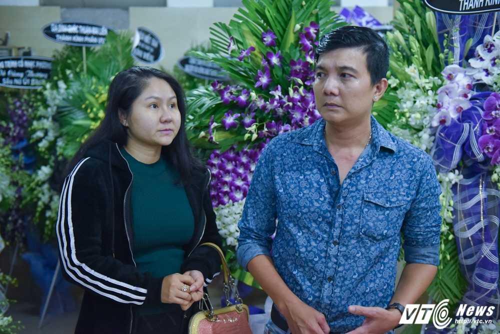 Phi Nhung – Phuong Thanh roi nuoc mat vieng nghe si Ut Bach Lan hinh anh 15