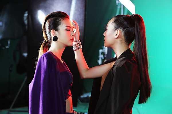 Phi Phuong Anh 'phai long' Lily Nguyen trong hau truong phim ngan hinh anh 2