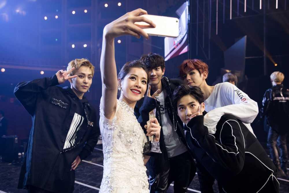 Chi Pu tra loi phong van dai KBS sau chien thang taiAsia Artist Awards 2016 hinh anh 7