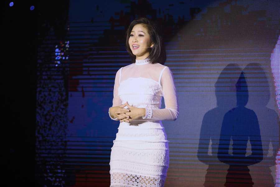 Lieu Ha Trinh, Phung Yen dang quang nguoi dan chuong trinh truyen hinh En Vang 2016 hinh anh 1