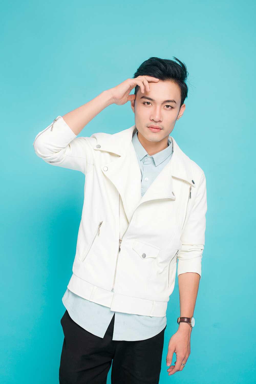 Thu Minh duoc moi len san khau cung thi sinh hat hit 'Dung yeu' hinh anh 4