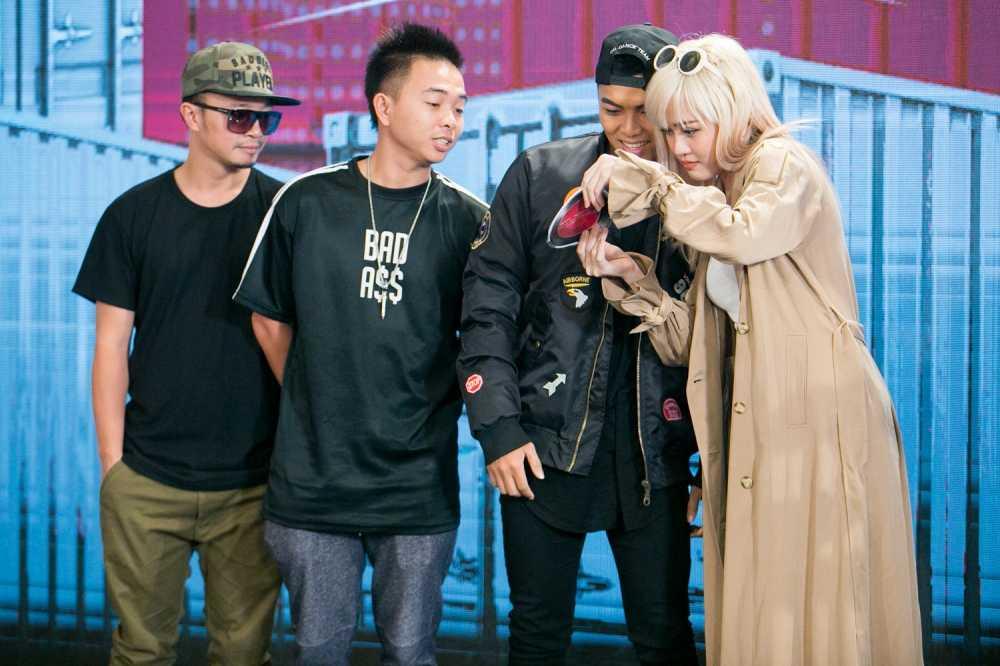 Noi got Son Tung, ban gai cung tham gia The Remix hinh anh 3