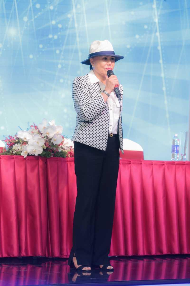Om nang, danh ca Thanh Tuyen huy liveshow vao phut chot hinh anh 4