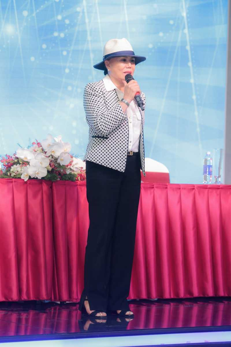 Om nang, danh ca Thanh Tuyen huy liveshow vao phut chot hinh anh 3