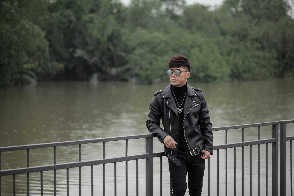 Ung Hoang Phuc tang qua dac biet cho fans dip Giang sinh hinh anh 18