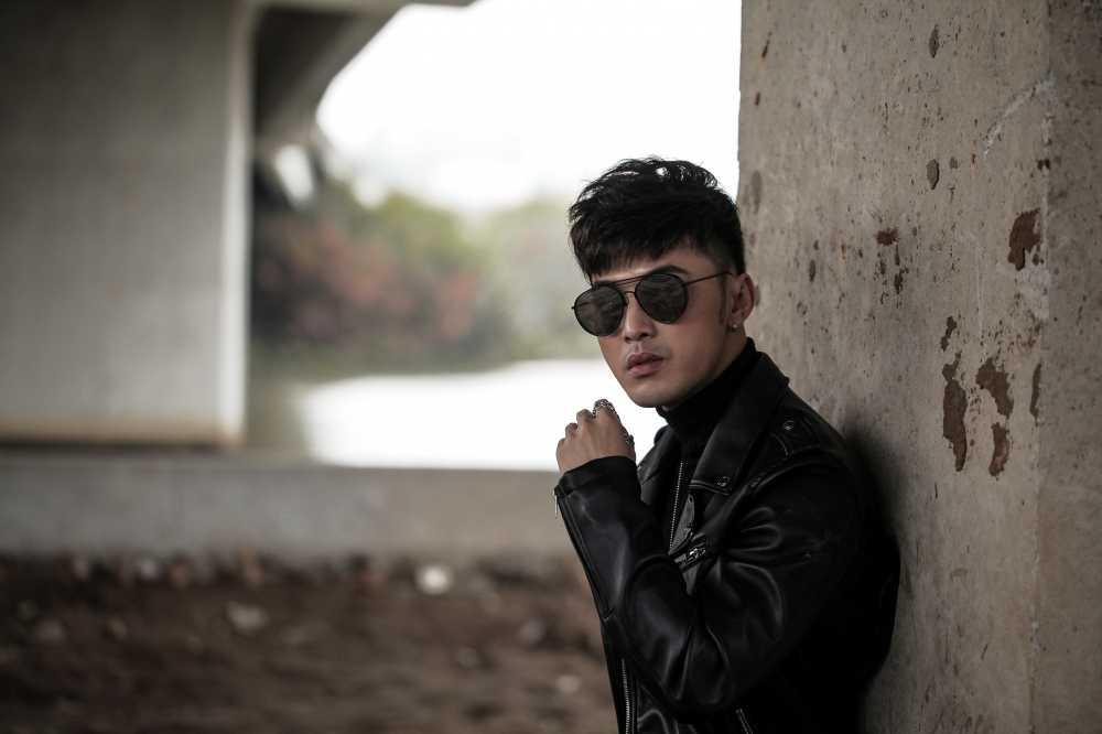 Ung Hoang Phuc tang qua dac biet cho fans dip Giang sinh hinh anh 15