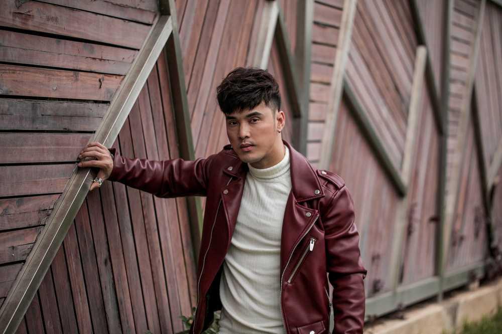 Ung Hoang Phuc tang qua dac biet cho fans dip Giang sinh hinh anh 12