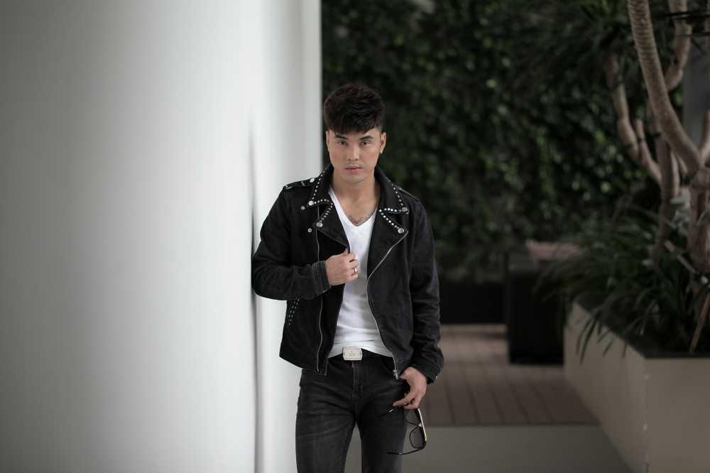 Ung Hoang Phuc tang qua dac biet cho fans dip Giang sinh hinh anh 7