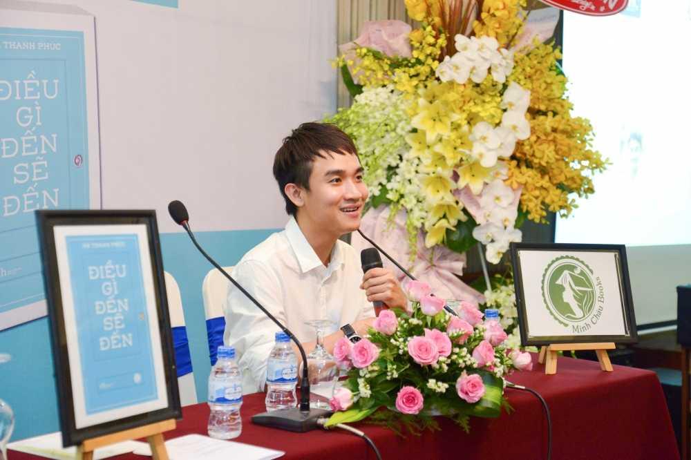 Diem My 9x xinh dep den chuc mung Ha Thanh Phuc hinh anh 2