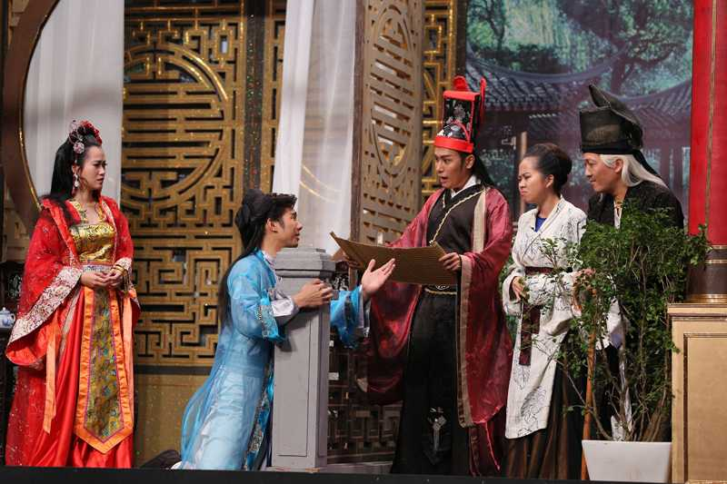 Hoai Linh che kich ban cua Truong Giang ngay tren song truyen hinh hinh anh 4