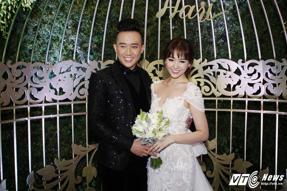 Tran Thanh om chat, dam duoi ngam Hari Won trong le cuoi hinh anh 4