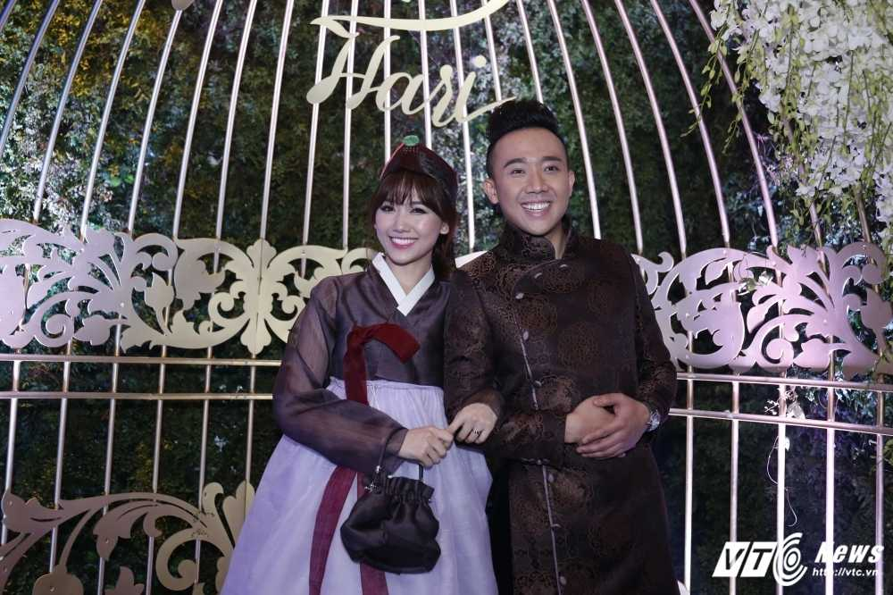 Tran Thanh - Hari Won bi Van Son ep hon den 'kiet suc' hinh anh 1