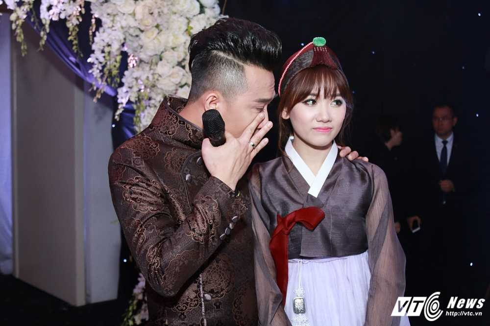 Tran Thanh - Hari Won bi Van Son ep hon den 'kiet suc' hinh anh 4