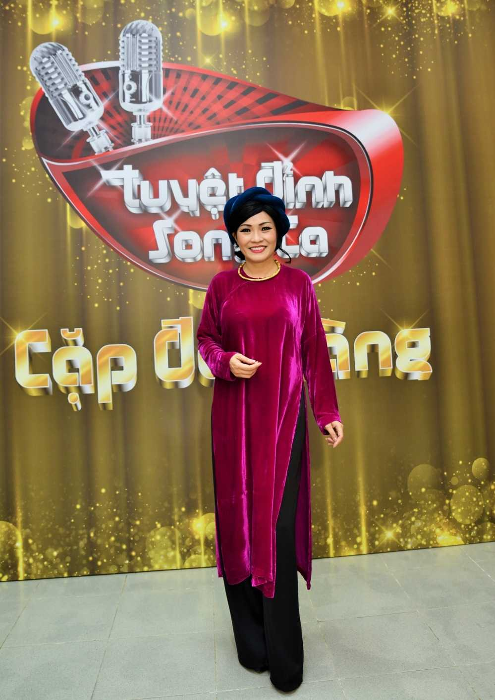 Phuong Thanh lan dau ngoi ghe nong cung Dam Vinh Hung hinh anh 1