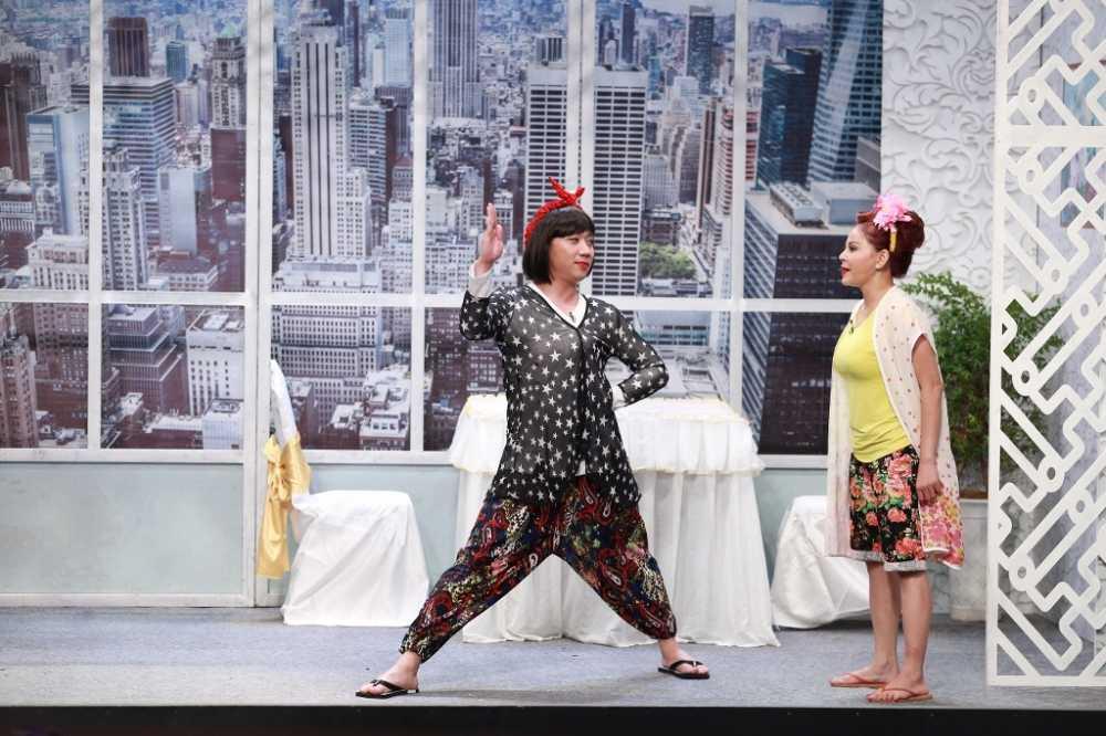 On gioi cau day roi: Hoai Linh 'lat keo', giup Le Giang 'ha be' Tran Thanh hinh anh 3