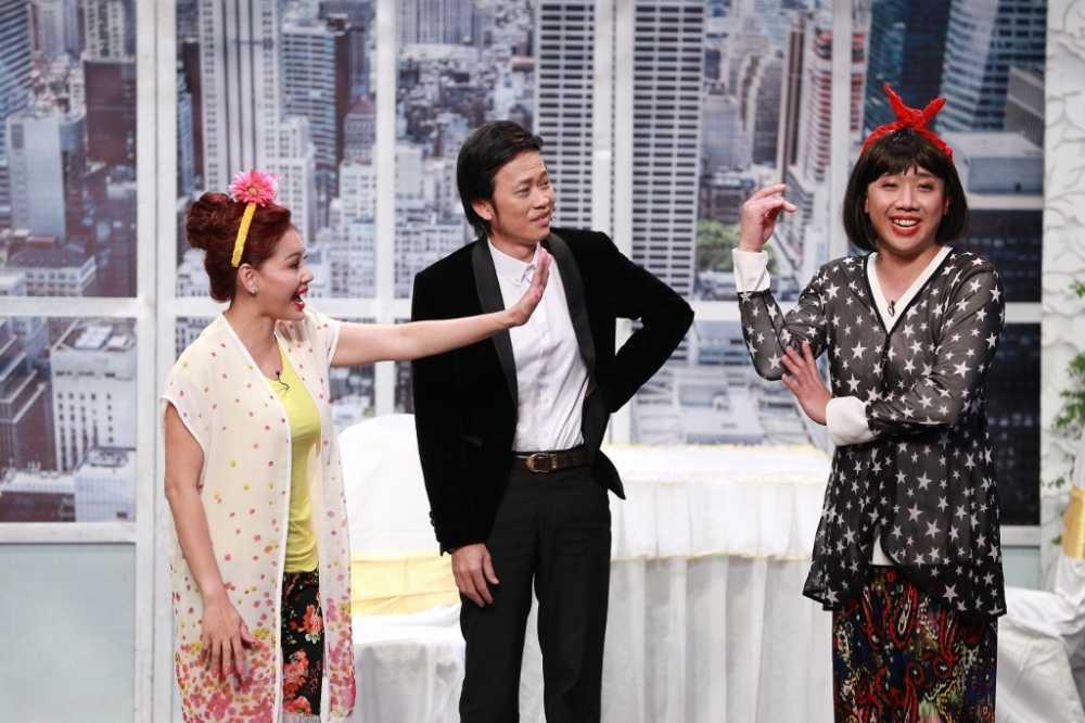 On gioi cau day roi: Hoai Linh 'lat keo', giup Le Giang 'ha be' Tran Thanh hinh anh 5