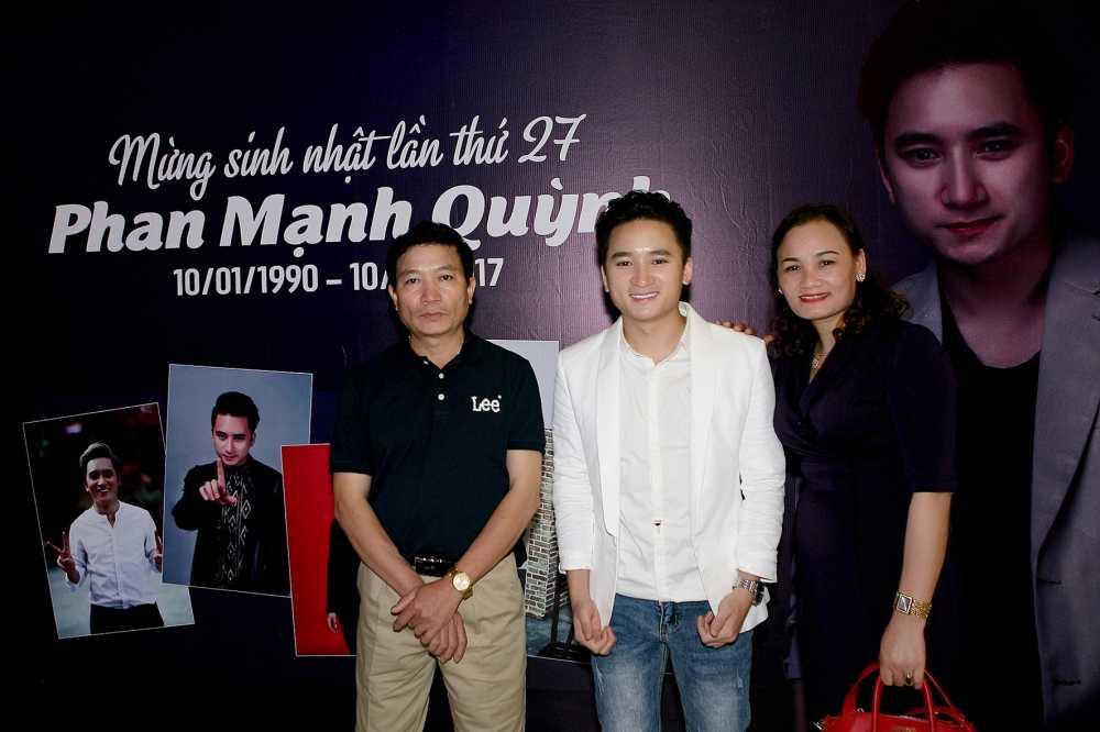 Phan Manh Quynh don sinh nhat tuoi 27 am cung ben bo me hinh anh 2