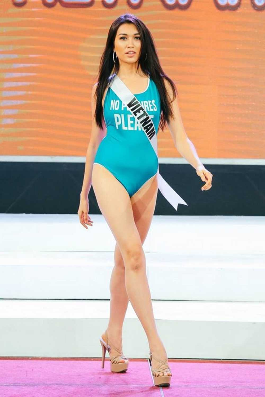 Le Hang duoc khan gia Viet khen ngoi sau su co catwalk tai Miss Universe hinh anh 1