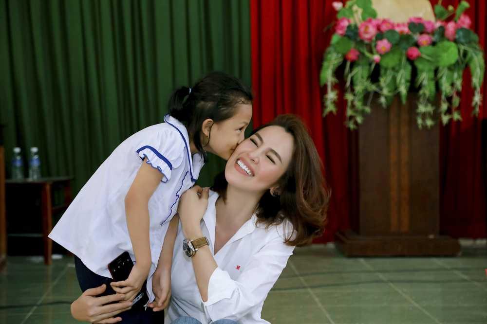 A hau Phuong Le mang Tet dam am ve que huong Tra Vinh hinh anh 4