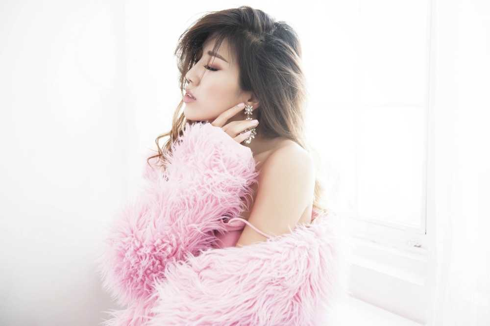 Trang Phap mo dau nam moi bang album ballad toan bai hit hinh anh 1