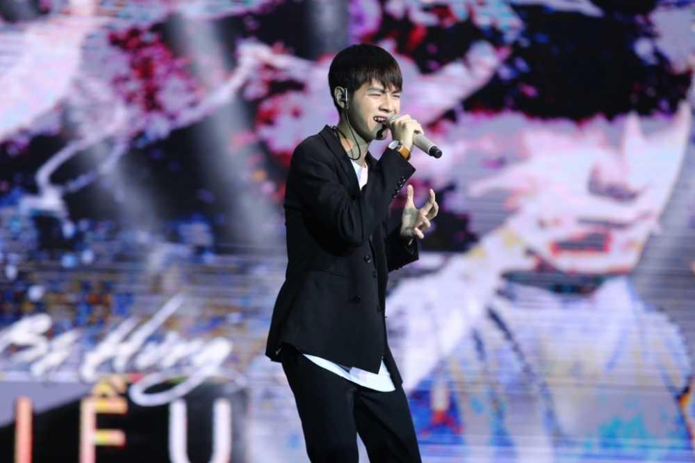 Hanh trinh den ngoi vi quan quan 'Sing my song' cua Cao Ba Hung hinh anh 3