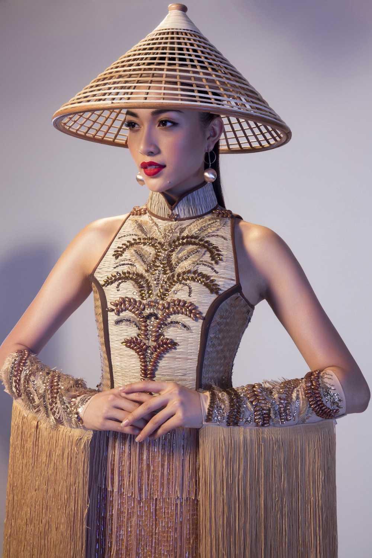 Lo dien trang phuc dan toc chinh thuc cua Le Hang tai 'Miss Universe 2016' hinh anh 2