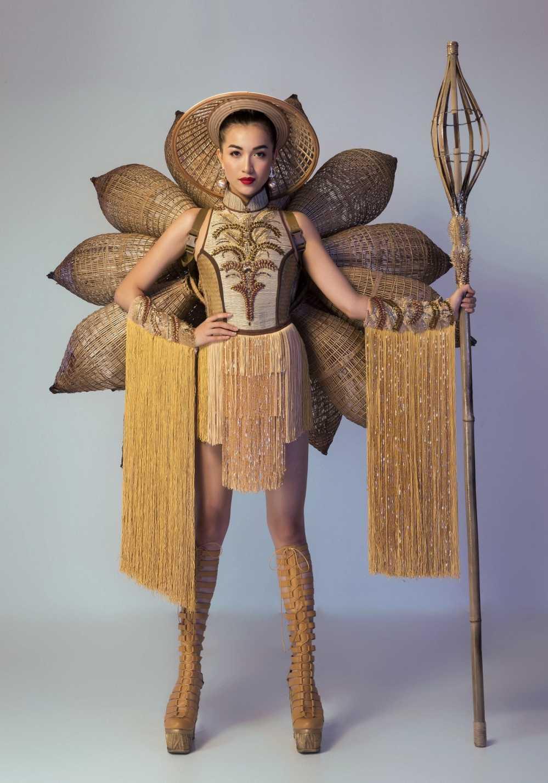 Lo dien trang phuc dan toc chinh thuc cua Le Hang tai 'Miss Universe 2016' hinh anh 1