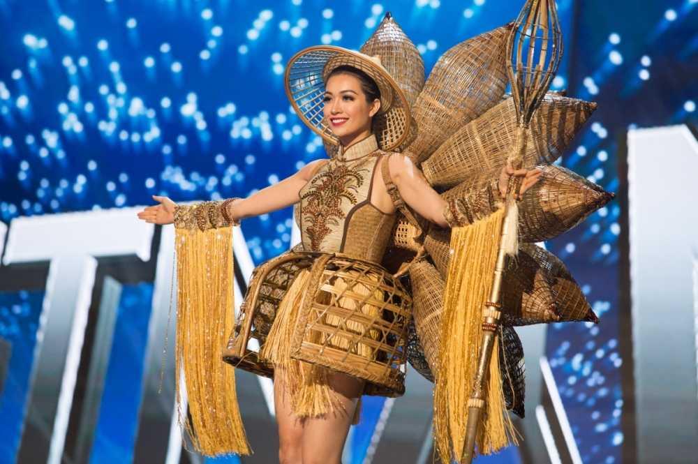 Le Hang toa sang trong dem ban ket 'Miss Universe 2016' hinh anh 6