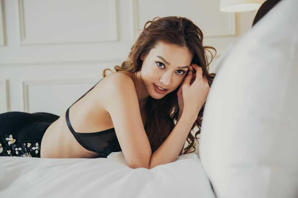 Mac Valentine mot minh Lilly Nguyen van nong bong nhu the nay day hinh anh 5