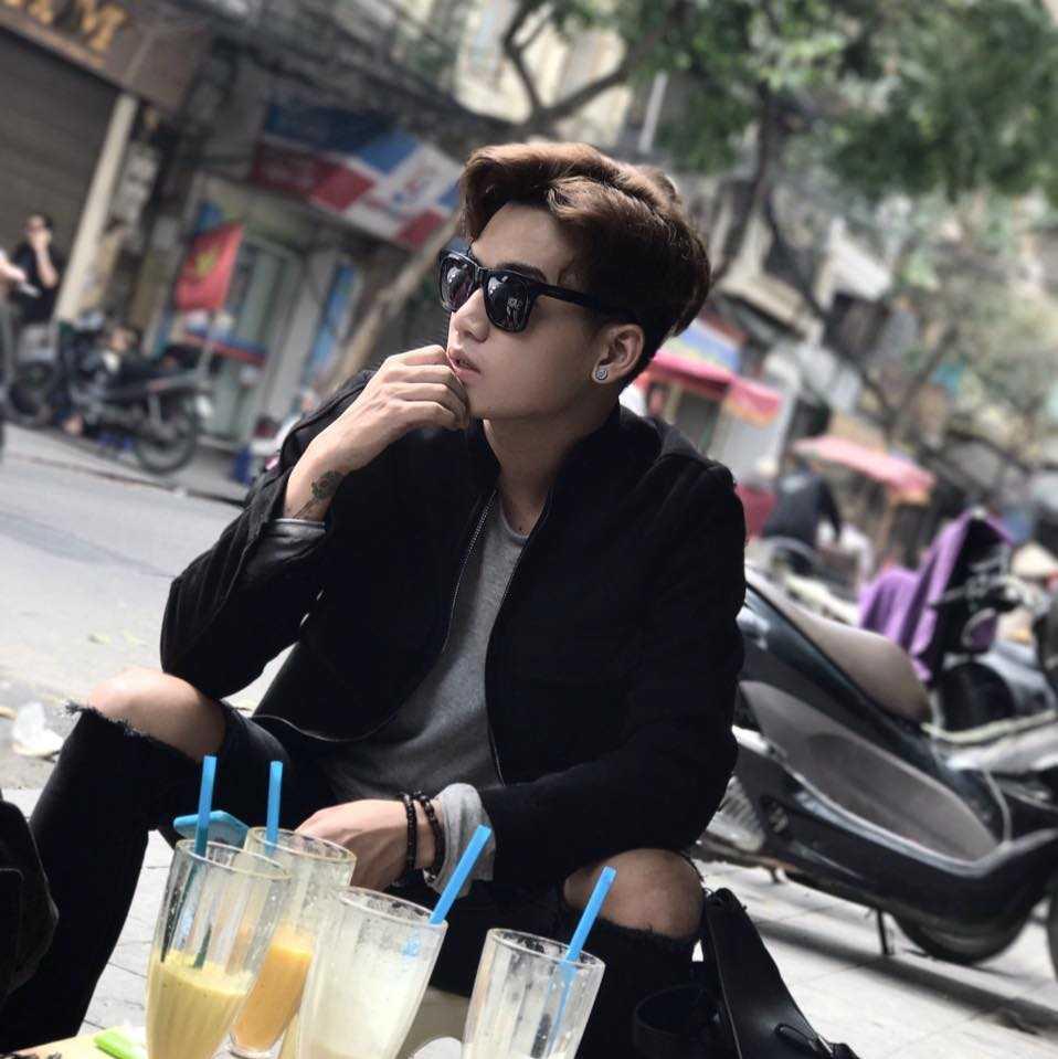 Hot boy dang 'lam mua lam gio' tai Giong hat Viet: Chi Thu Minh cuc ky kho tinh hinh anh 2